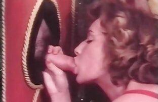 Flickan i skorna utbyts tecknad sexfilm med röv
