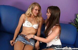Gratis två vackra unga tjejerna porr filmer - lesbisk porr